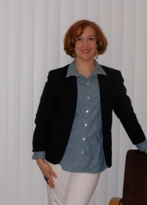 Blue blazer: (thrifted.) Chambray shirt: Old Navy. Pearl necklace: unknown. Peacock ring: Dots. White jeans: (thrifted.) Brown flats: Wal- Mart. Gold watch: Wal-Mart.